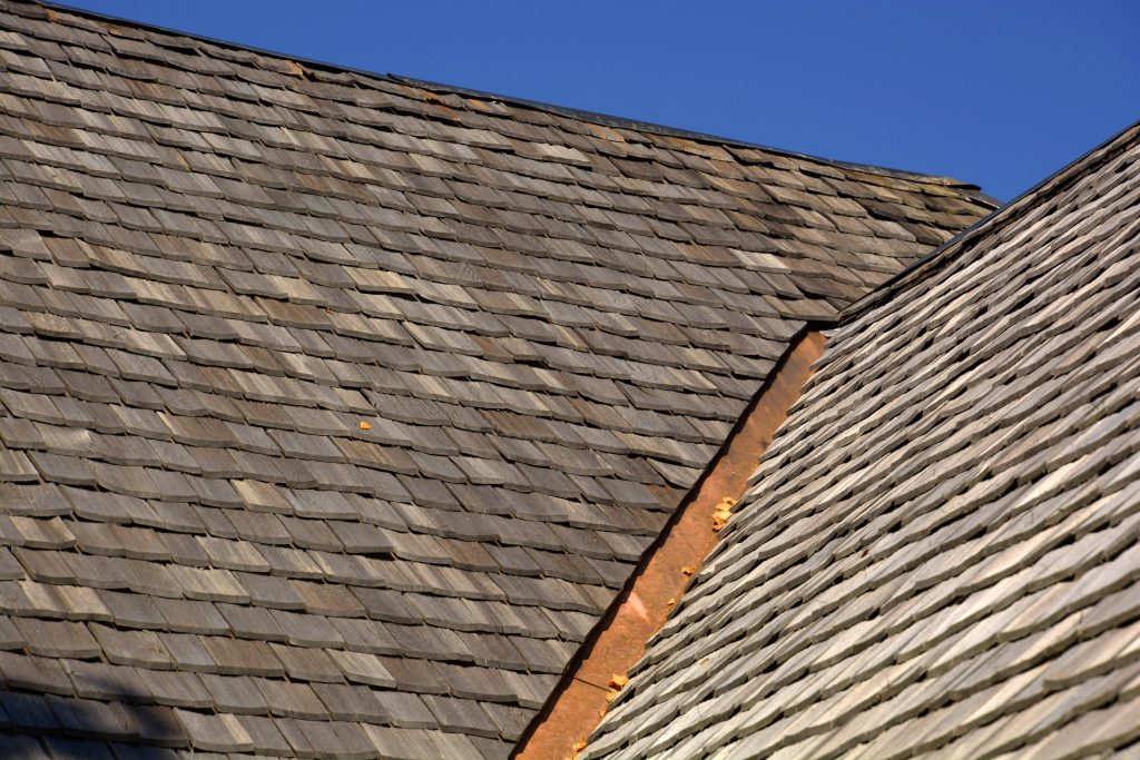 cedar shake shingle collinsville illinois maryville glen carbon edwardsville roof company roofer roofers