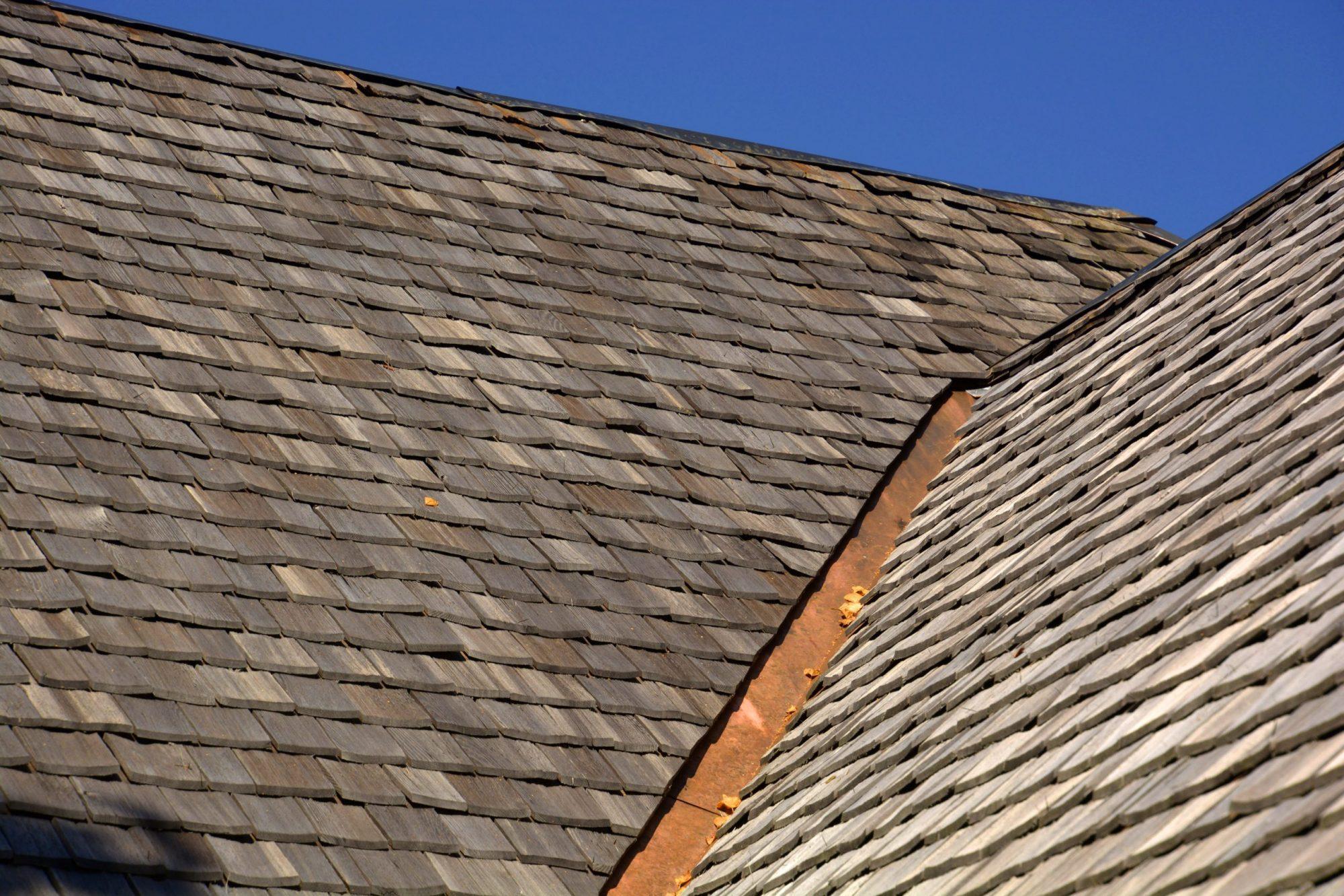 cedar shake shingle collinsville illinois maryville glen carbon edwardsville roof company roofer roofers