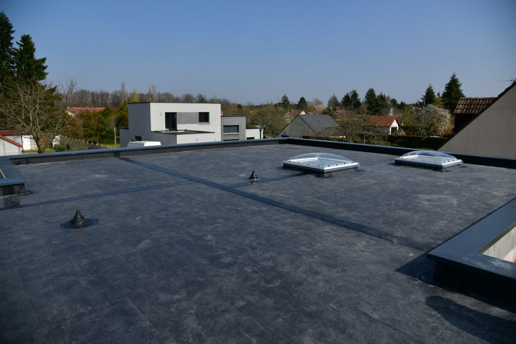 epdm roofing rubber roof flat roof commercial roof commercial roofing contractor quality best company roofer roofers collinsville edwardsville bethalto wood river fairview heights illinois il