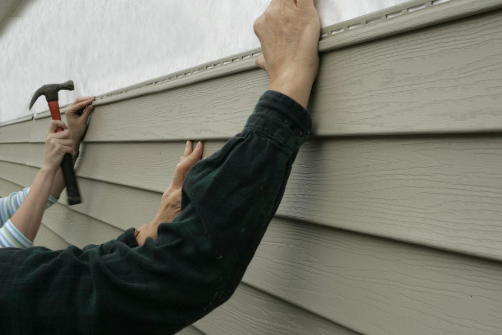 professional siding contractor vinyl siding installation collinsville il new siding siding repair granite city pontoon beach edwardsville wood river glen carbon maryville fairview heights illinois